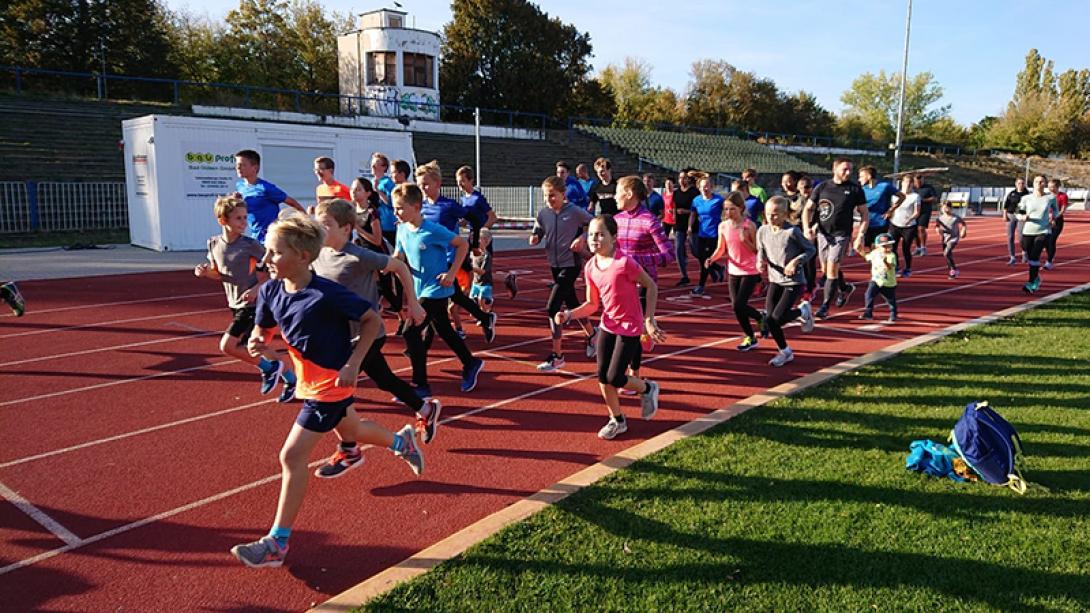 Erfolgreicher Spendenlauf der MoGoNo-Leichtathleten